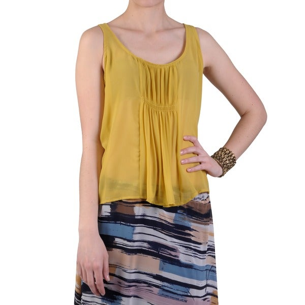 Journee Collection Juniors Sleeveless Pintucked Chiffon Top