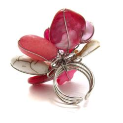 Red Floral Cluster Mother of Pearl Free Size Cocktail Ring (Thailand)