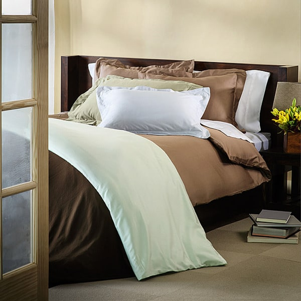 Luxor Treasures Luxurious Down Alternative Comforter with Bonus Egyptian Cotton 4-piece Duvet Cover