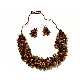 Neutral-color Melon Seed Necklace and Earring Set (Colombia)
