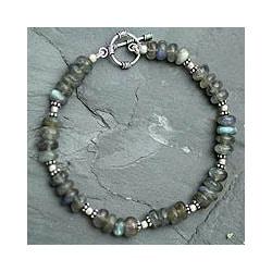 Sterling Silver 'Indian Rainbow' Labradorite Bracelet (India)