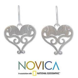 Sterling Silver 'Elephant Sweethearts' Heart Necklace (Thailand)