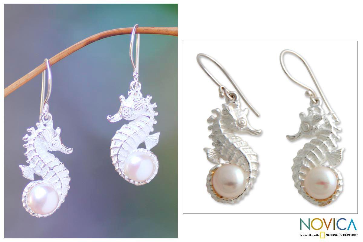 Sterling Silver 'Sea Horse Treasure' Pearl Earrings (8 mm) (Indonesia)