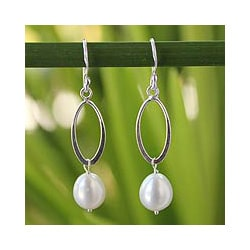 Sterling Silver 'Dragon Love' Pearl Earrings (8-8.5 mm) (Thailand)