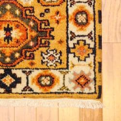 Indo Hand-knotted Kazak Gold/ Ivory Wool Rug (2' x 4')