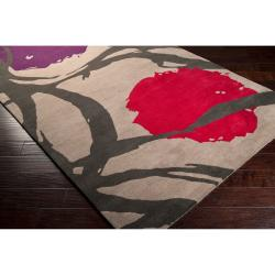 Harlequin Hand-tufted Tan Opaque Floral Wool Rug (5' x 8')