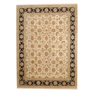 Indo Hand-knotted Vegetable Dye Isfahan Ivory/ Black Wool Rug (8'9 x 12')