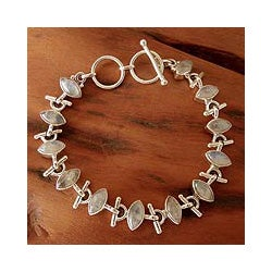 Sterling Silver 'Hope' Moonstone Bracelet (India)