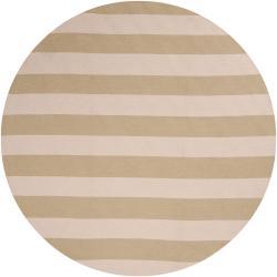 Hand-hooked Green Rancie Indoor/Outdoor Stripe Rug (8' Round)