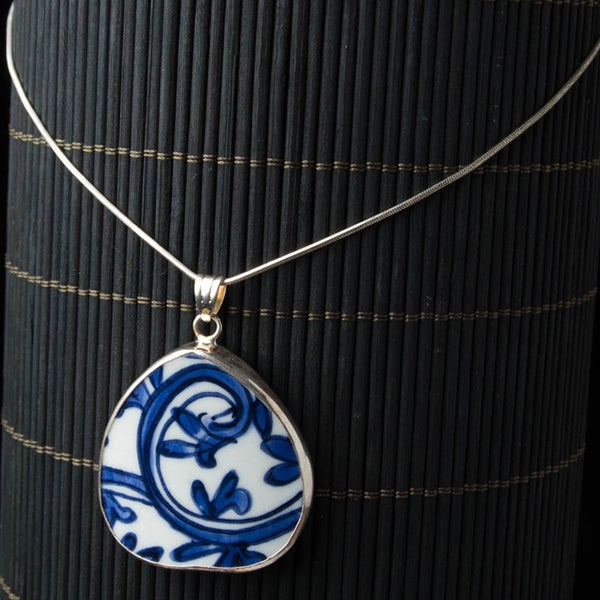 Chinese Procelain Oval Pendant Necklace on Sterling Silver Chain (China)