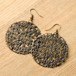 Antique Design Brass Metal Lattice Pendant Earrings (China)