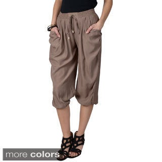 Journee Collection Juniors Lightweight Elastic Waist Woven Capris