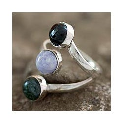 Sterling Silver 'Peace Love and Harmony' Jade Ring (Guatemala)