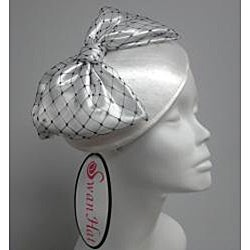 Black//White Elegant Synamay Cocktail Fascinator
