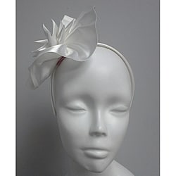 White Elegant Synamay Cocktail Fascinator
