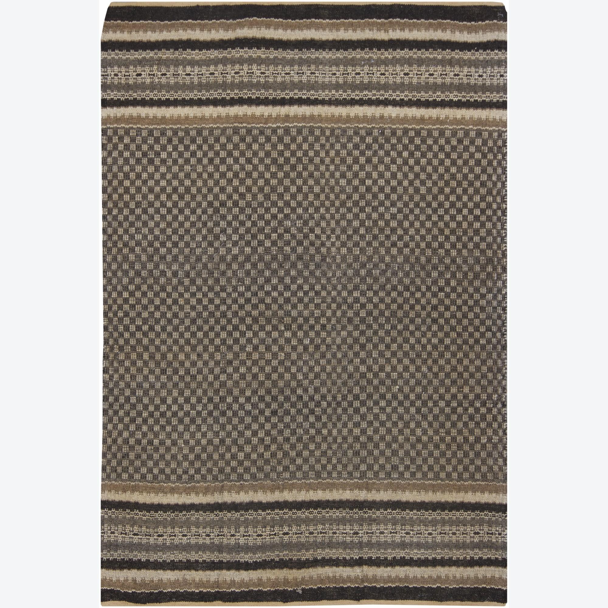 Hand-woven Mandara Rug (5' x 8')