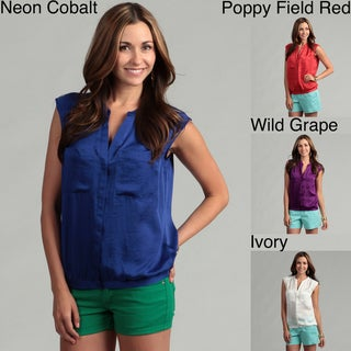 Violet & Claire Women's Two-pocket Front Top
