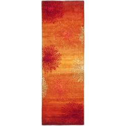 Handmade Soho Burst Rust New Zealand Wool Runner (2'6 x 10')