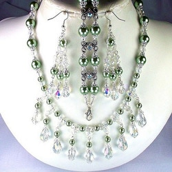 Sage Green Pearls and Clear Crystals Jewelry Set