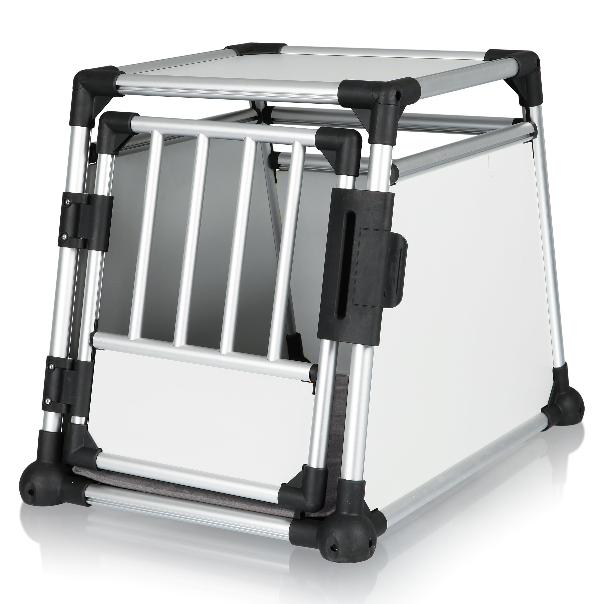 Trixie Scratch-Resistant Metallic Crate (M)