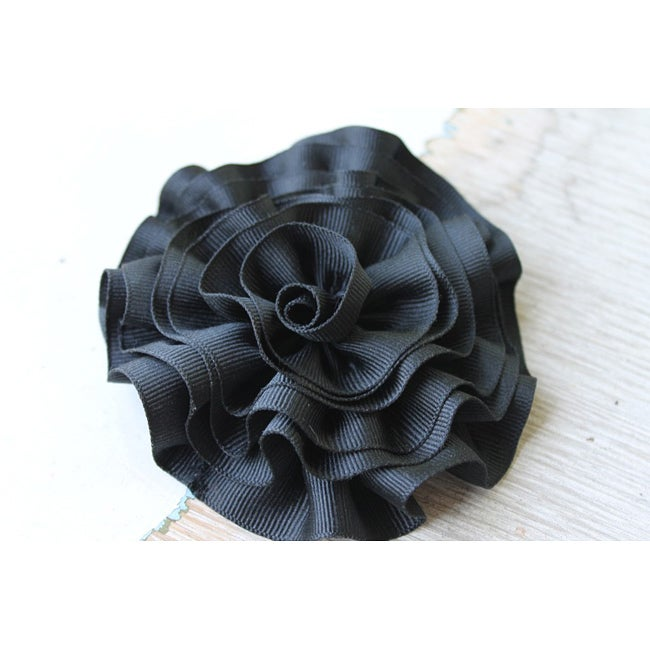 CarolineAlexander Large Ribbon Flower Hair Clip