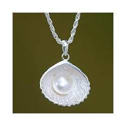 Sterling Silver 'Oyster Secrets' Pearl Necklace (11 mm) (Indonesia)
