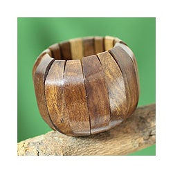 Handcrafted Sheesham Wood 'Delhi Casual' Bracelet (India)