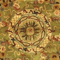 Safavieh Handmade Classic Empire Taupe/ Light Green Wool Rug (6' Round)