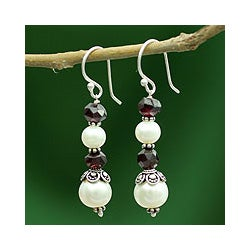 Sterling Silver 'Love Pure' Pearl Garnet Earrings (7, 10 mm) (India)