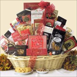 'Snack Attack' Extra-large Gourmet Food Gift Basket (Serves 4 to 6)