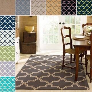 nuLOOM Handmade Alexa Moroccan Trellis Wool Rug (5' x 8')