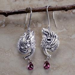 'Liyapatha' Sterling Silver & Rhodolite Garnet Briolette Dangle Earrings (Sri Lanka)