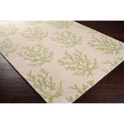 Somerset Bay Hand-tufted Bacelot Bay Green Beach Inspired Coral-Print Wool Rug (8' x 11')