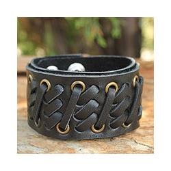 Leather Men's 'Bold Black' Bracelet (Thailand)