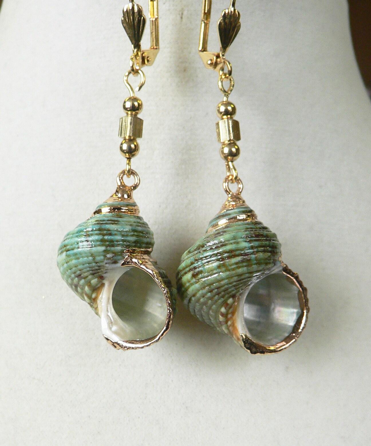 'Traxine' Shell earrings
