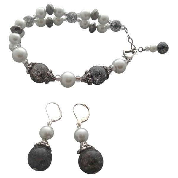 Elegant Black and White Bracelet and Earring Set