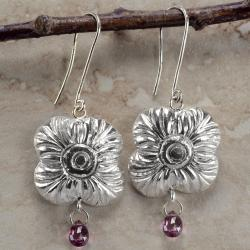 Ashanti 'Na' Flower Sterling Silver and Rhodolite Garnet Briolette Dangle Earrings (Sri Lanka)