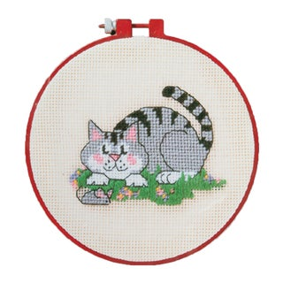 """Learn-A-Craft A Cat And A Mouse Needlepoint Kit-6"""" Round"""