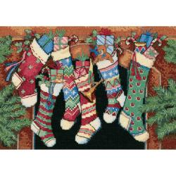 "Gold Collection Petite The Stockings Were Hung Counted Cross-7""X5"" Ivory"