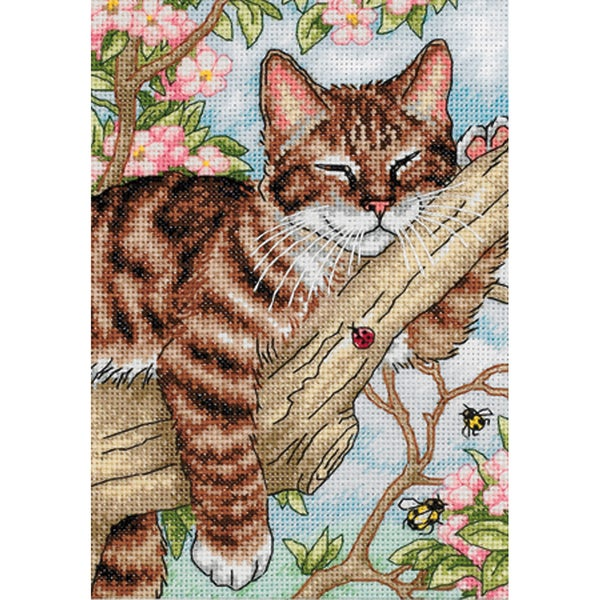 "Gold Collection Petite Napping Kitten Counted Cross Stitch K-5""X7"""
