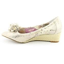 Anne Klein AK Women's Horray Gold Sandals (Size 8)