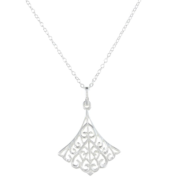 La Preciosa Sterling Silver Triangular Scalloped Necklace (17-inch)