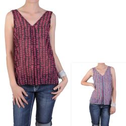 Journee Collection Junior's Lightweight V-neck Sleeveless Top
