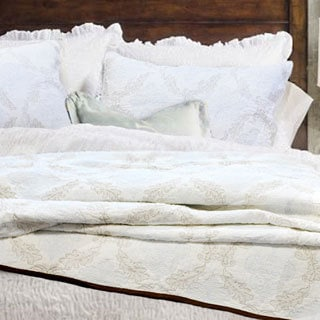 Elizabeth Queen-size 3-piece Quilt Set