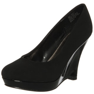 Kenneth Cole Women's 'Buzzworthy' Wedged Pumps