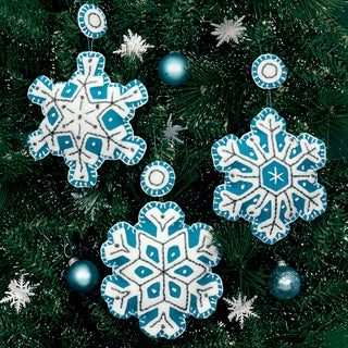 "Flurries Ornaments Felt Applique Kit-4""X4"" Set Of 3"