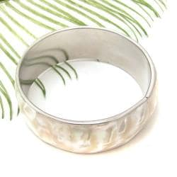 Ivory Sensation Glossy Natural Shell Bracelet (Philippines)