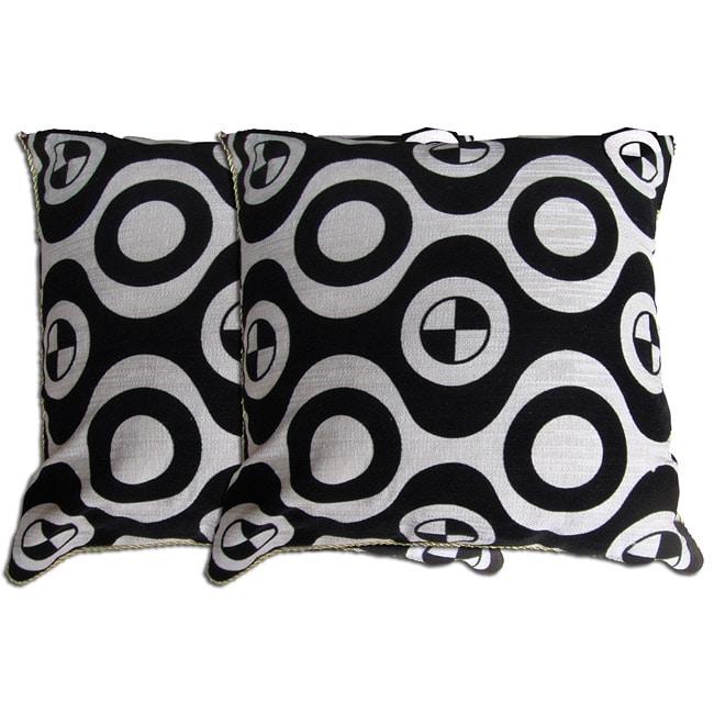 Decorative Black/ White Pillow (Set of 2)