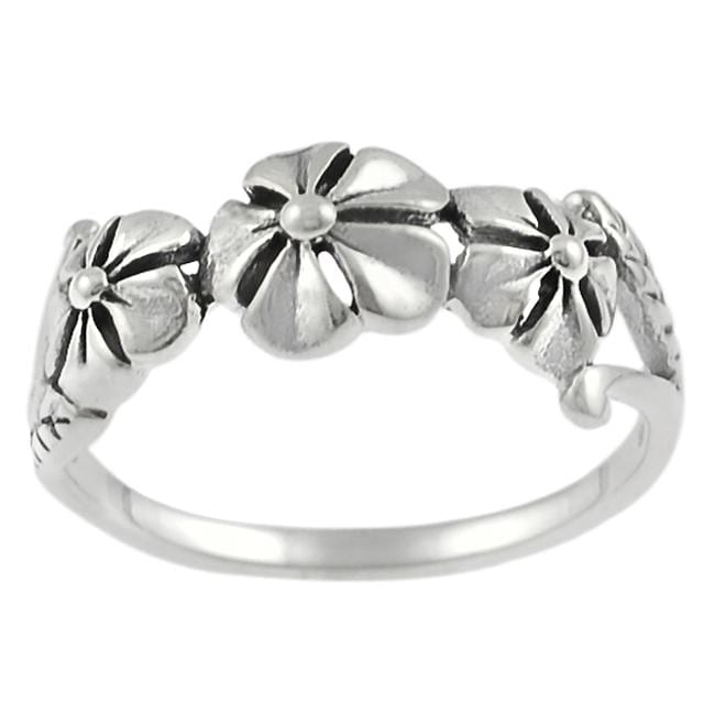 Journee Collection Sterling Silver Three-flower Ring