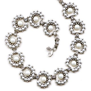 Sweet Romance White Glass Pearl Collar Necklace